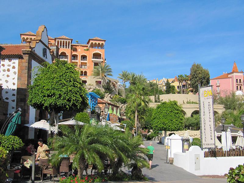 Playa del Duque - Einkaufszentrum